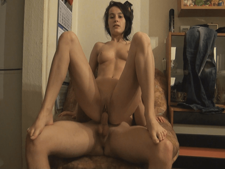 Sexy Mädchen beim Ficken im Privat Porno