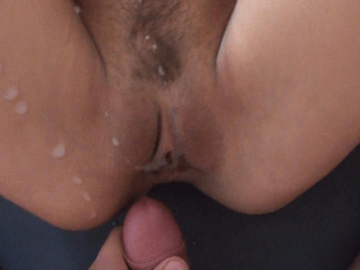 Vollgewichste Muschi nach einem Hardcore Muschi Fick auf einem privaten XXX Foto